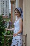 愉快美丽的新娘 免版税库存照片