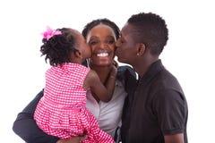 愉快非洲的子项她的母亲s 免版税库存照片