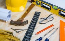 任意地被安置的建筑工具 免版税图库摄影
