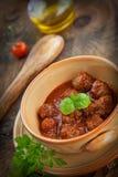 意大利人烹调-与蓬蒿的肉丸 免版税库存图片