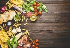 意大利传统食物、开胃菜和快餐 库存照片