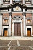 意大利伦巴第在somma lombardo老教会关闭了 免版税库存图片