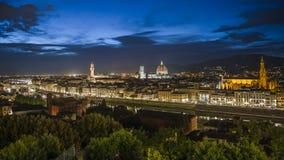 意大利佛罗伦萨日落和夜视图 库存图片