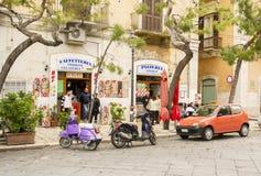 意大利典型的街道场面 库存照片