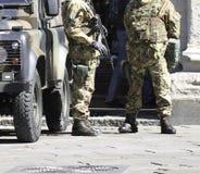 意大利军队巡逻 库存图片