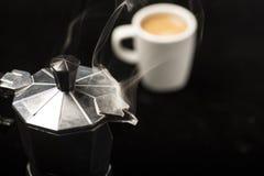 意大利咖啡壶 免版税库存照片
