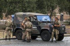 意大利士兵在罗马 免版税库存照片
