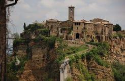 意大利小山顶镇,奇维塔二巴尼奥雷焦 图库摄影