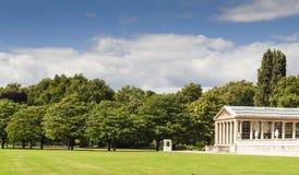 意大利庭院在肯辛顿庭院里,伦敦。 免版税库存图片