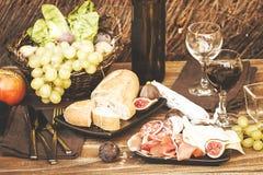 意大利开胃小菜板材 免版税图库摄影