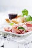 意大利开胃小菜用波隆纳熟香肠  免版税库存图片