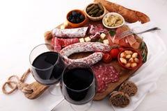 意大利开胃小菜酒快餐品种集合 乳酪,地中海 库存照片