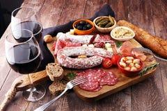 意大利开胃小菜酒快餐品种集合 乳酪,地中海 库存图片