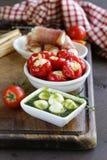 意大利开胃菜开胃小菜做了盘-火腿,乳酪 免版税库存照片