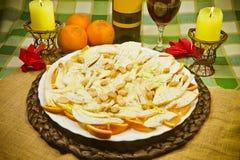 意大利开胃菜用桔子、茴香和杏仁 免版税库存图片