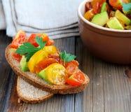 意大利开胃菜bruschetta用蕃茄 免版税图库摄影