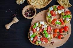 意大利开胃菜Friselle 免版税库存图片