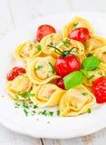 意大利式饺子用蕃茄 免版税库存图片