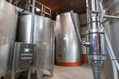 意大利托斯卡纳葡萄酒酿造桶 免版税库存图片