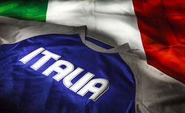 意大利旗子和T恤杉 库存图片