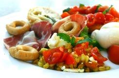 意大利样式开胃酒盘 免版税库存图片