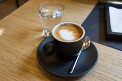 意大利浓咖啡macchiato 免版税图库摄影