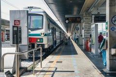 意大利火车站平台 库存照片