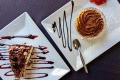 意大利点心,Tiramisà ¹和蛋糕,顶视图 库存照片