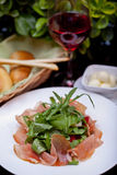 意大利熏火腿二帕尔马,经典意大利开胃小菜食物 免版税图库摄影