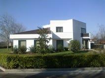 意大利现代房子 库存照片