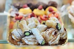 意大利甜乳脂状的点心酥皮点心 免版税库存照片