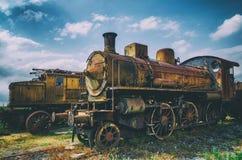 意大利生锈的蒸汽机车 免版税库存图片
