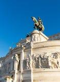 意大利的国王的古铜色骑马雕象 库存图片