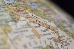 意大利的宏观地球地图细节 库存图片