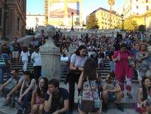 意大利罗马西班牙语步骤 步的游人从Piazza Square di Spagna西班牙 免版税库存照片