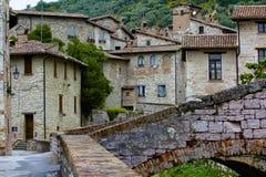 意大利美丽如画,中世纪小山镇 库存图片