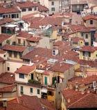 意大利老屋顶 免版税库存照片