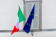 意大利语和欧洲联盟标志 库存图片