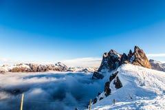 意大利语Dolomiti准备好在滑雪季节 免版税库存照片