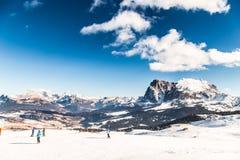 意大利语Dolomiti准备好在滑雪季节 库存照片