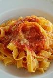 意大利调味汁tagliatelle蕃茄 免版税图库摄影