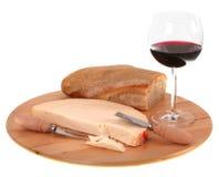 意大利辣普罗卧干酪乳酪用红葡萄酒和面包 免版税库存图片