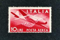 1945年意大利邮票:10里拉航空邮件 免版税库存照片