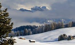 意大利阿尔卑斯在冬天 免版税库存照片