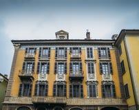 意大利阿尔卑斯在高山市奥斯塔称呼建筑学19世纪在西北意大利 库存图片