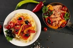 意大利面团用帕尔马干酪 库存照片
