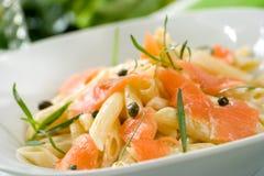 意大利面食三文鱼 免版税库存照片