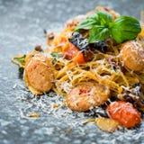 意大利面食和香肠 免版税库存照片