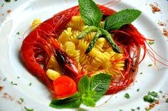 意大利面食大虾红色西西里人 免版税库存图片
