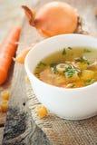 意大利面食汤蔬菜 免版税库存照片
